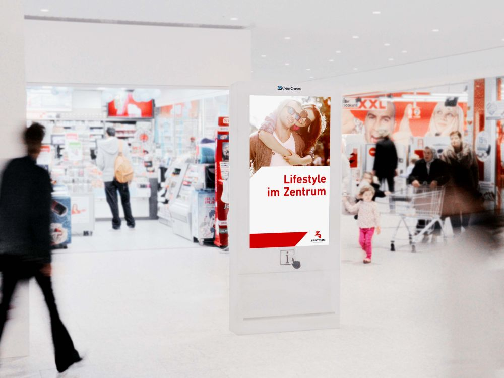 Clear Channel Screen in der Shopping Mall Regensdorf (Foto: Clear Channel Schweiz)