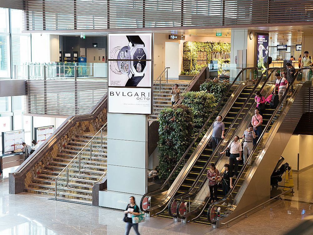 Neue Digital Towers am Singapore Airport (Foto: JCDecaux)