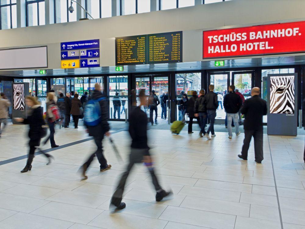 iBeacon Test am Hbf: Open Playground Düsseldorf (Foto: Ströer)