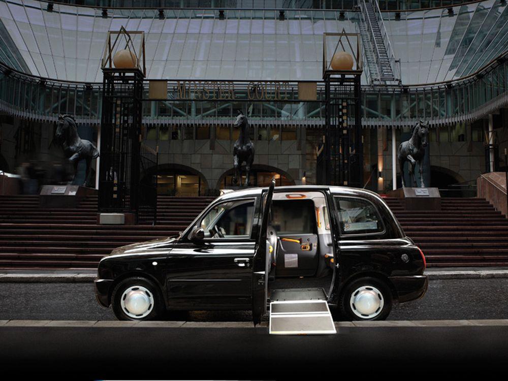 Barrierfrei ist Standard beim TX4 - bald auch Digital Signage (Foto: The London Taxi Company)