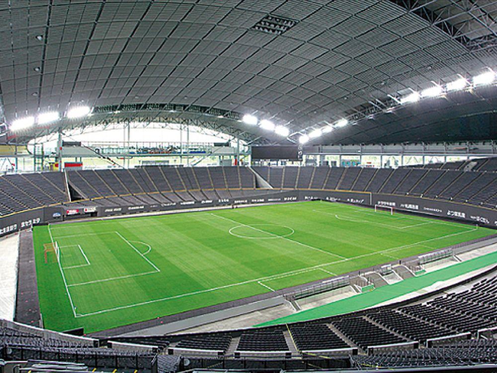 Sapporo Dome: Fußballfeld im Innern des Stadion (Foto: Sapporo Dome Co.)