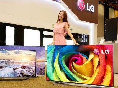 Vorne rechts im Bild: Ultra HD TV 65UF9500 mit WideColor-Technologie (Foto: LG)