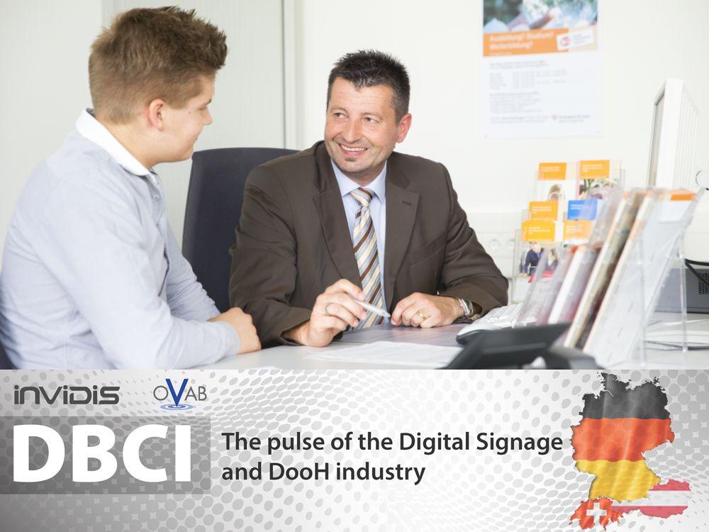 Digital Signage-Branche: Das Arbeitsamt von innen sehen höchstens die Arbeitgeber - bei der Suche nach Fachkräften (Foto: Bundesagentur für Arbeit; Grafik: invidis)