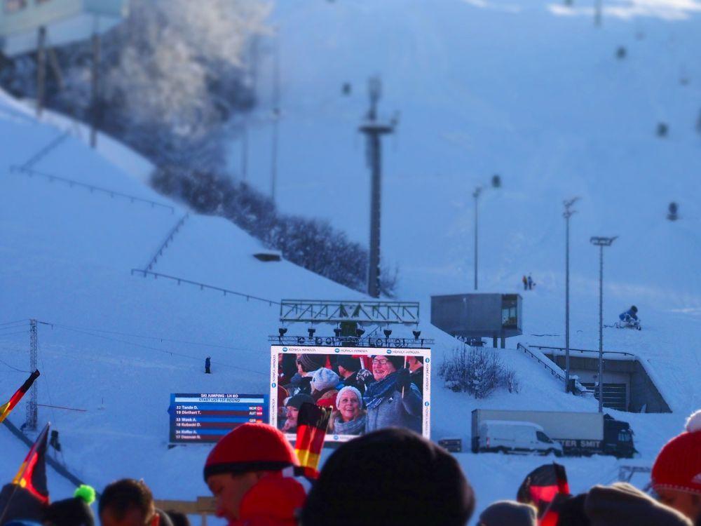 LED Video Board beim Neujahrsspringen 2015 in Garmisch-Partenkirchen (Foto: invidis)