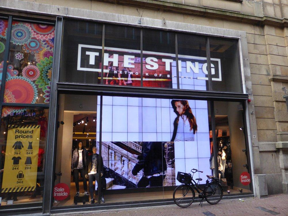 Digital Signage Installation Tour: The Sting in der Kalverstraat in Amsterdam (Foto: invidis)