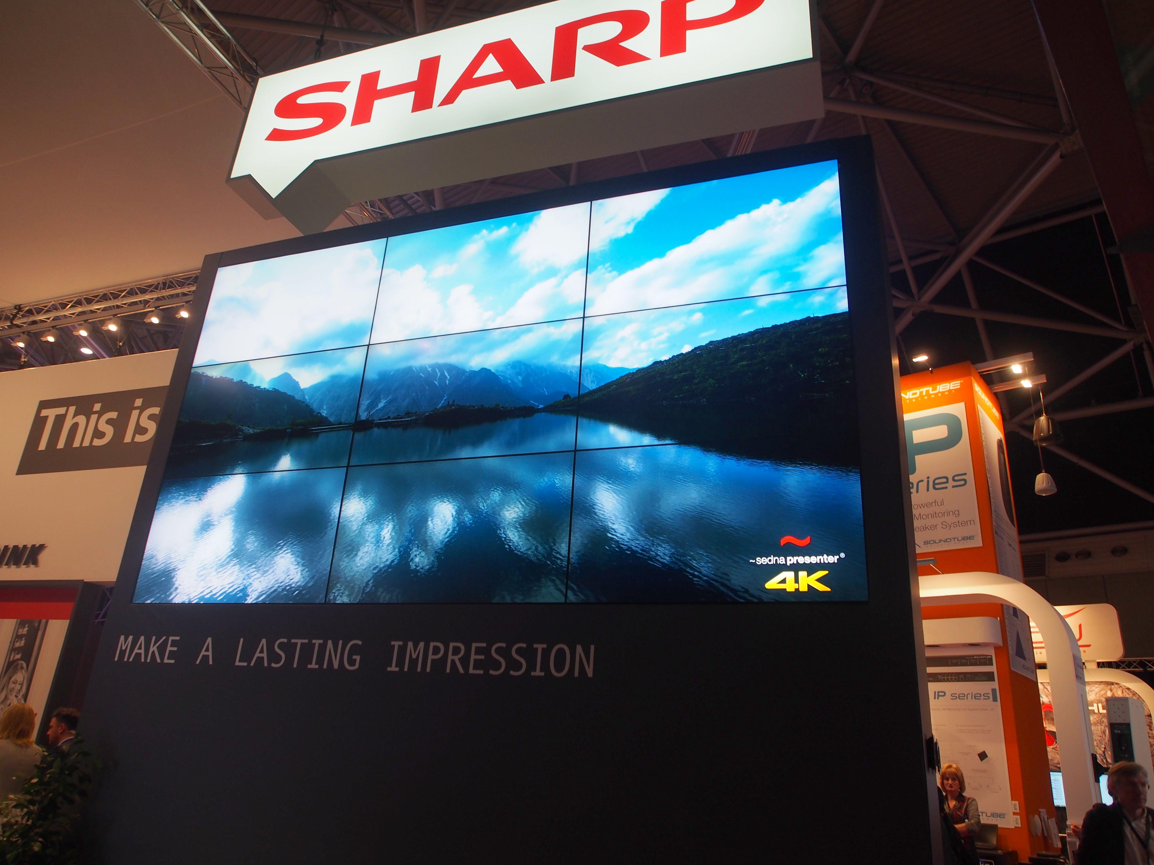 Video Wall am Stand von Sharp (Foto: invidis)