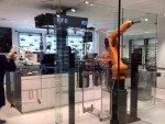 Geiles Robo Gadget: KUKA-Roboter bei der Arbeit (Foto: TMT Factory)