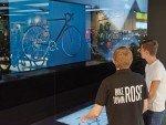Konfigurator mit großen Screens in der Biketown (Foto: Rose)