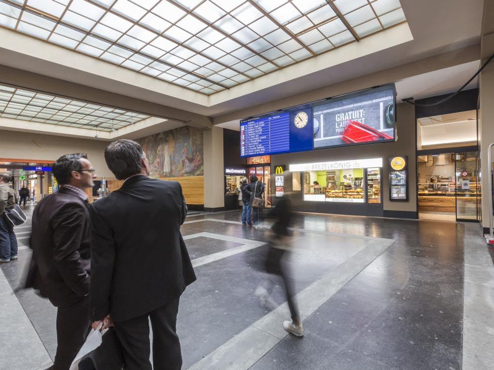 SBB-Bahnhof Neuchâtel: LED Boards (Foto: SBB)