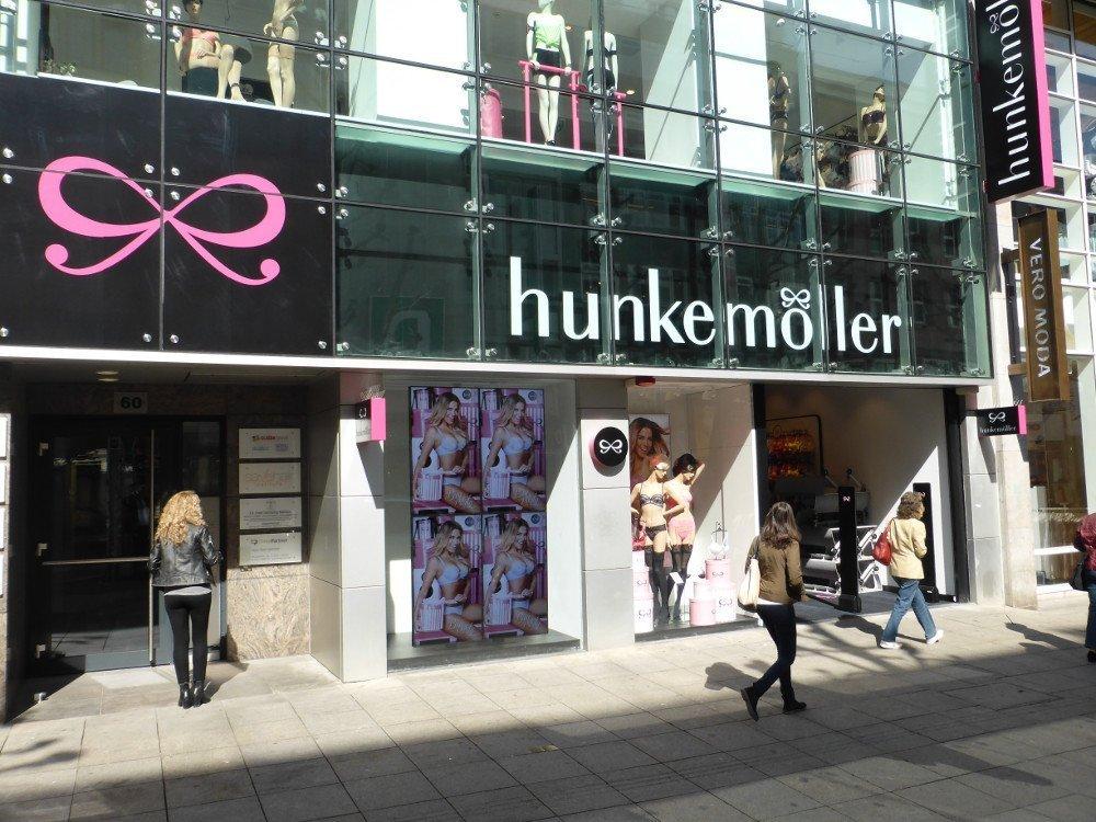 Beste sonnenlichttaugliche Digital Signage Installation in Stuttgart (Foto: invidis)