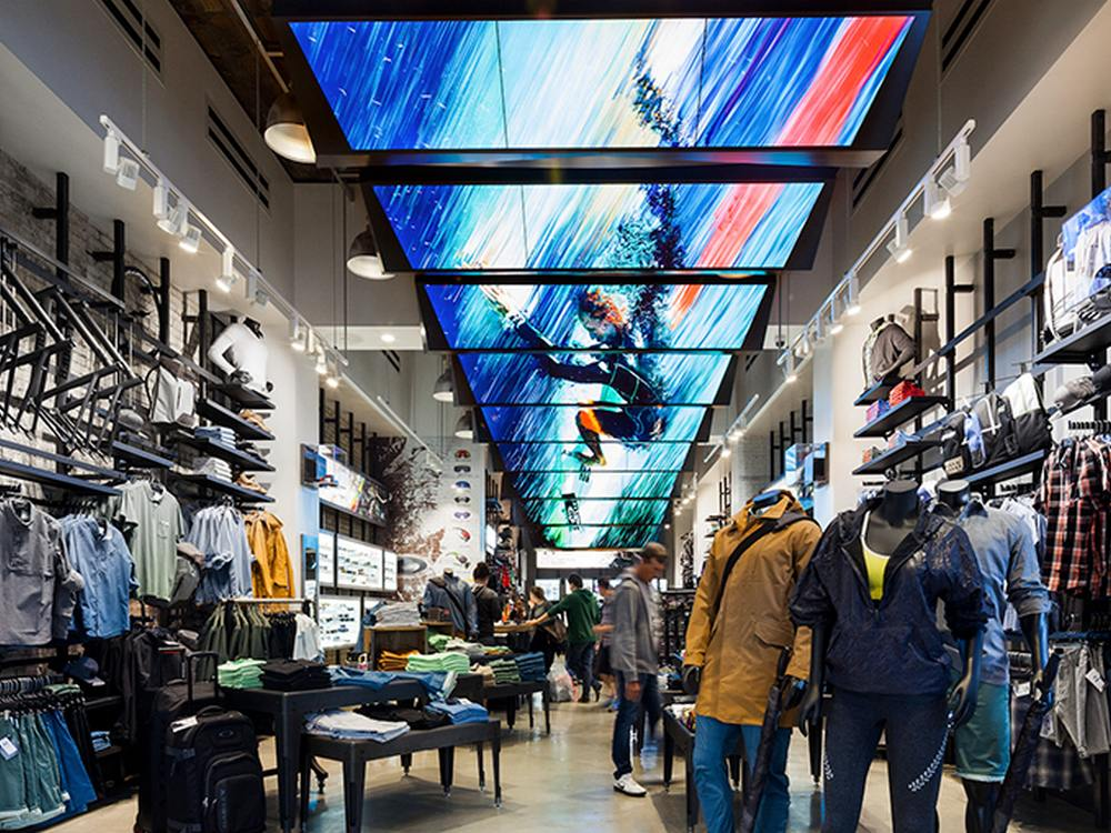 Blick in den Oakley Flagship (Foto: Moment Factory)