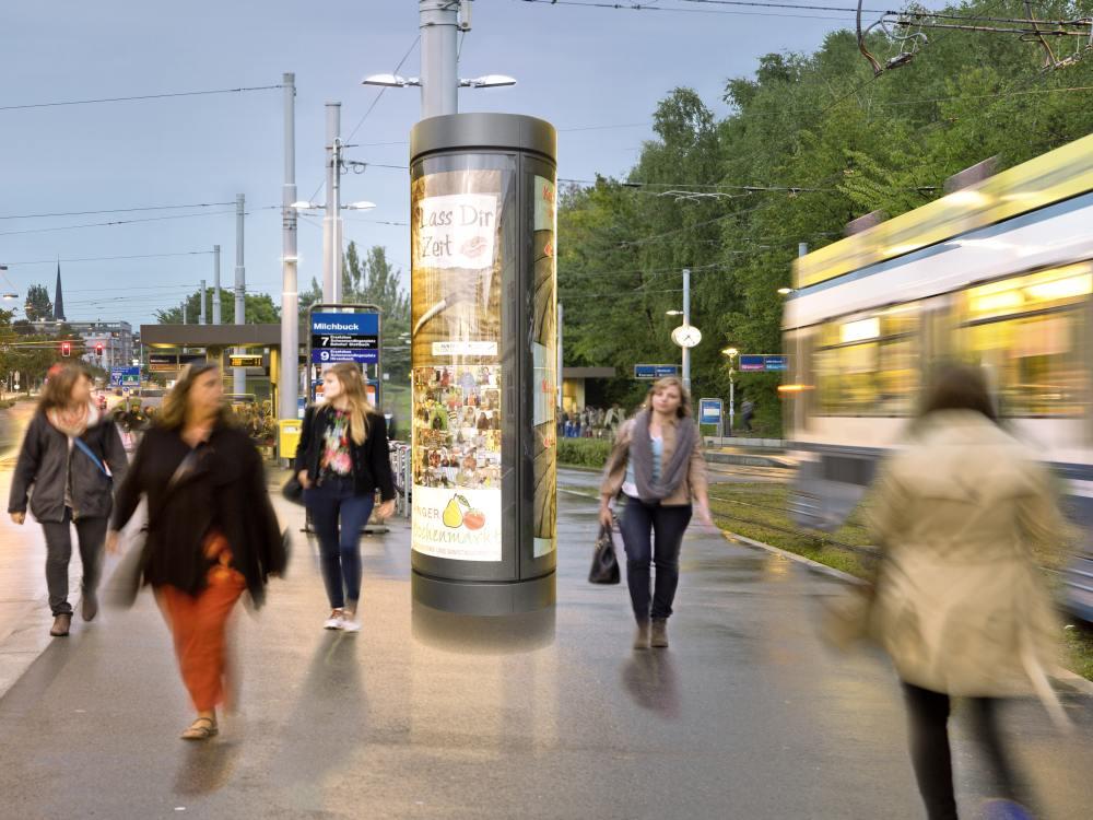 Hinterleuchtete Drehsäule am Milchbuck in Zürich (Foto: Clear Channel Schweiz)