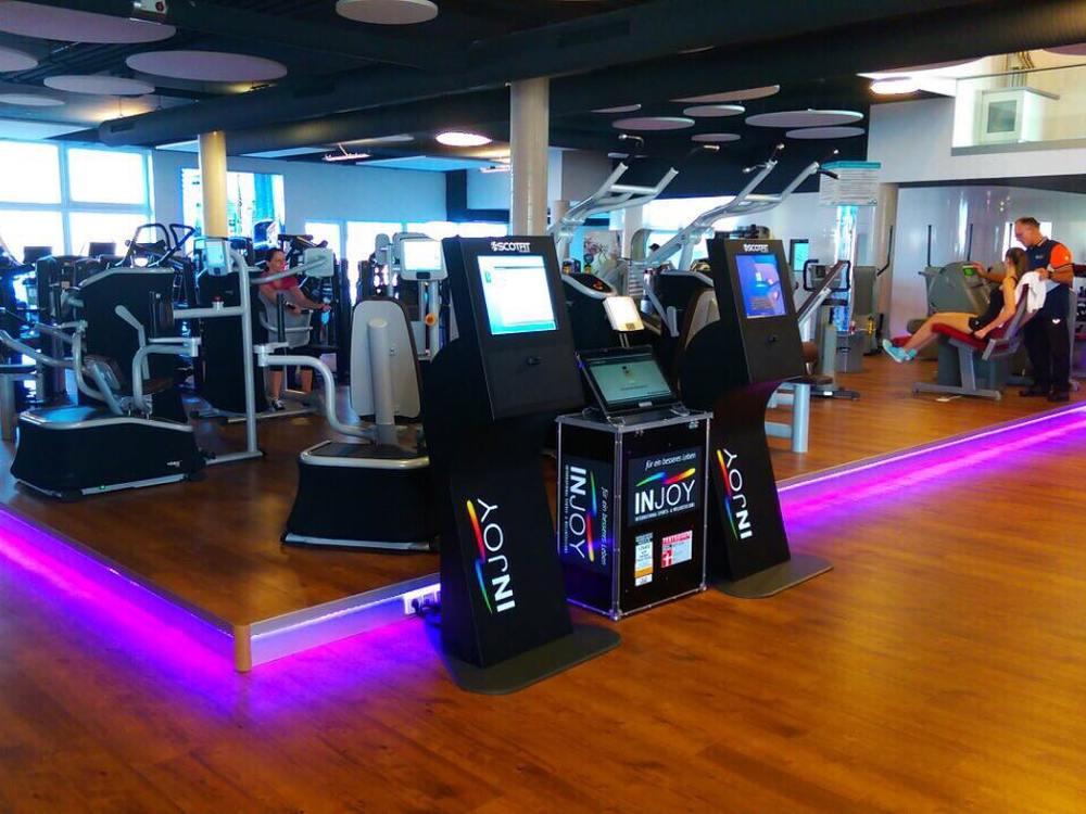 Kiosk-Systeme in einem Fitnessstudio (Foto: Kiosk Solutions)