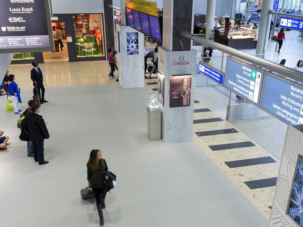Airport Genf - Umfassende DooH-Kampagne für Omega im Jahr 2013 (Foto: Neo Advertising)
