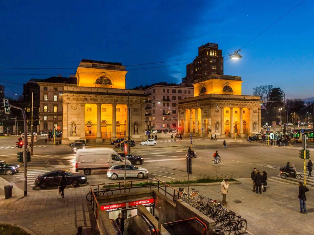 Expo 2015 angeknipst mailand stellt stra enbeleuchtung - Bastioni di porta venezia ...