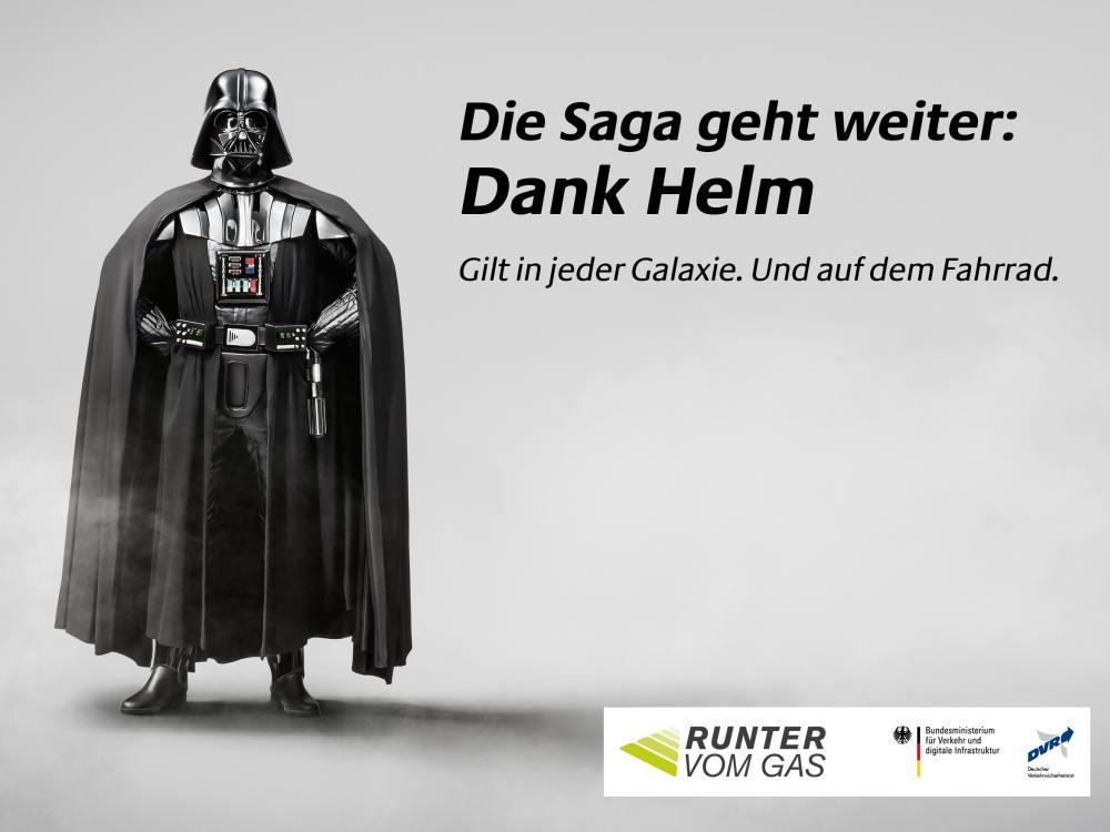 Dunkler Ritter wirbt für guten Zweck: Runter vom Gas 2015 (Foto: Serviceplan)