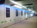 Gatwick - DooH-Screens im Tunnelbereich (Foto: ADXBA)
