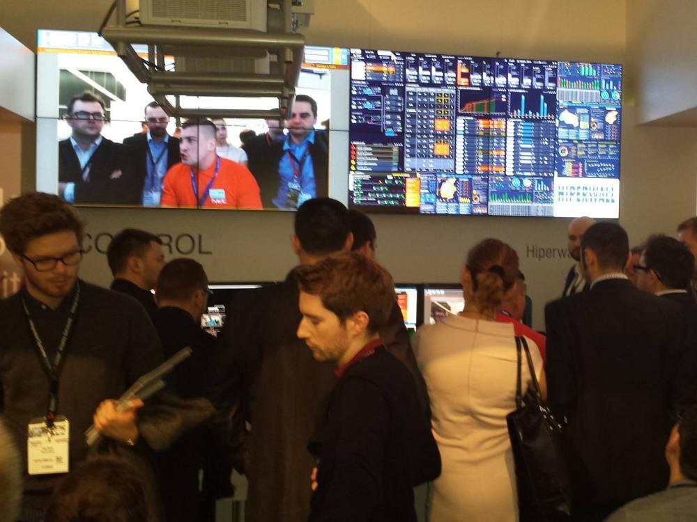 Hiperwall-Stand auf der ISE 2015 (Foto: Hiperwall)