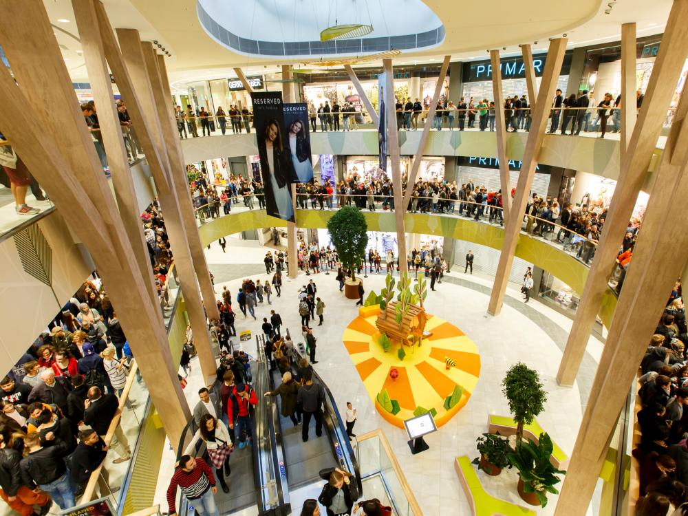 Innenansicht des 2014 eröffneten Shopping Centers MILANEO (Foto: ECE)