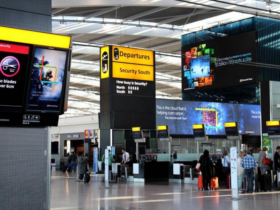 LED Signage am Flughafen: Towers@T5 (Foto: Heathrow Airport)