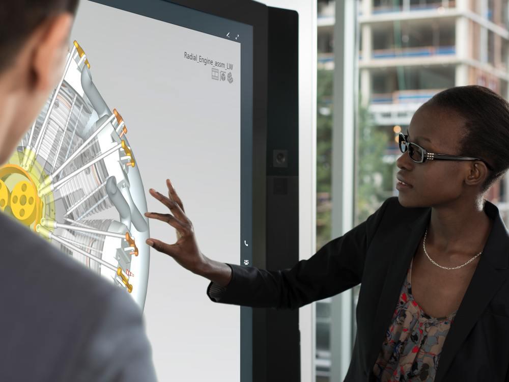 Einsatz des Surface Hub bei einem Meeting (Foto: Microsoft)