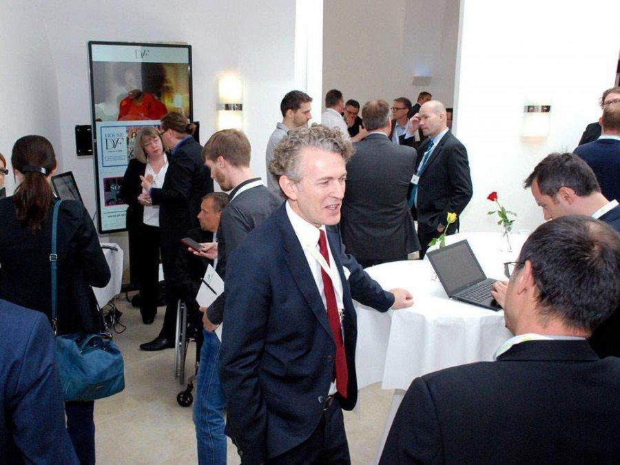 Gastgeber CEO Roland Grassberger (Mitte) beim Grassfish Summit 2015 (Foto: Grassfish)