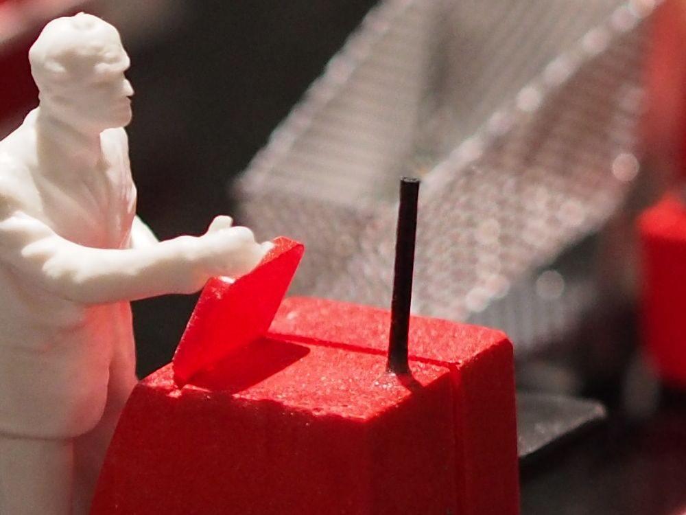 Kunde beim Self-Checkout - Symbolbild (Foto: invidis)