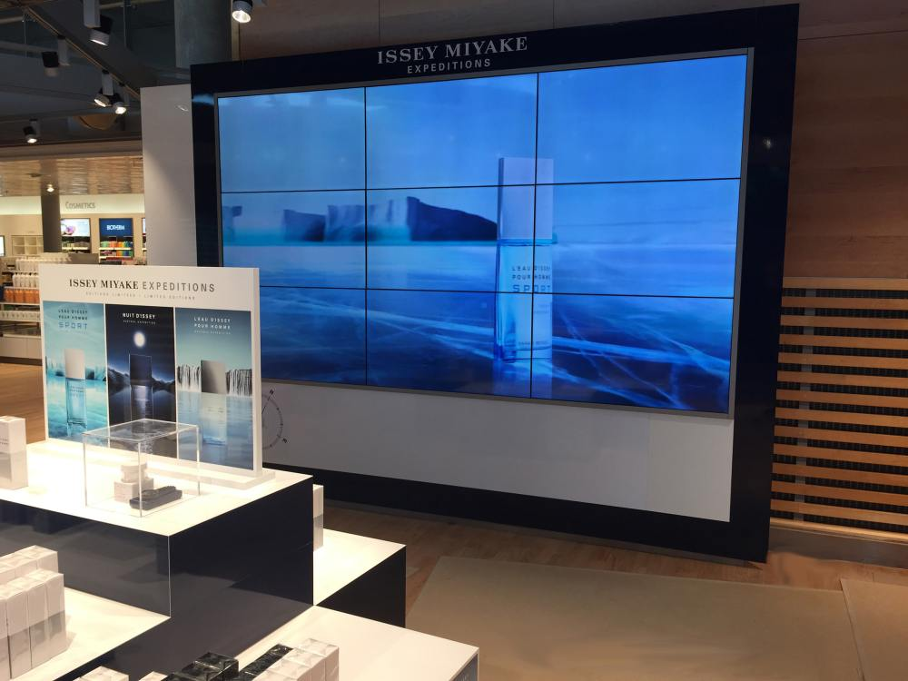 Airport Bergen 3x3 Video Wall von Travel Retail Norway (Foto: Nexgen Smart Instore)