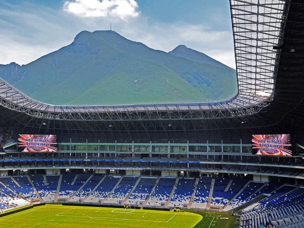 Die zwei neuen Video Displays im Estadio BBVA Bancomer (Foto: Daktronics)