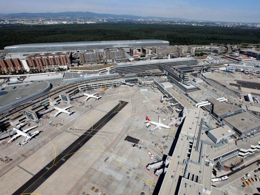 Flughafen Frankfurt - Terminal 1 aus der Luft (Foto: Fraport AG Fototeam/ Stefan Rebscher)