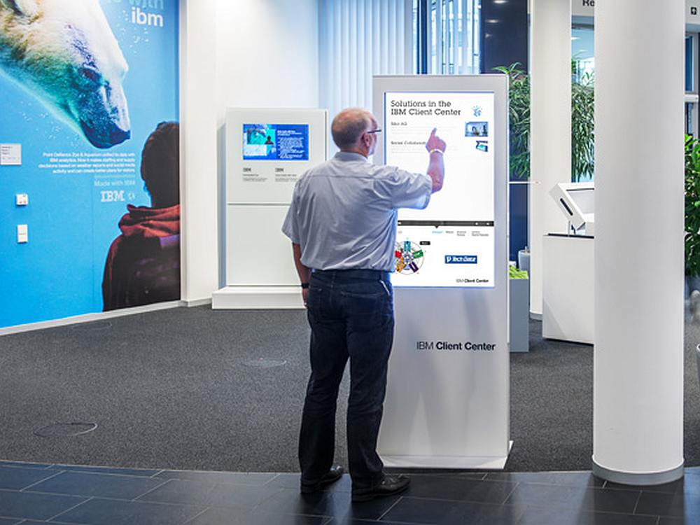 Touch-Stele bei IBM (Foto: netvico)