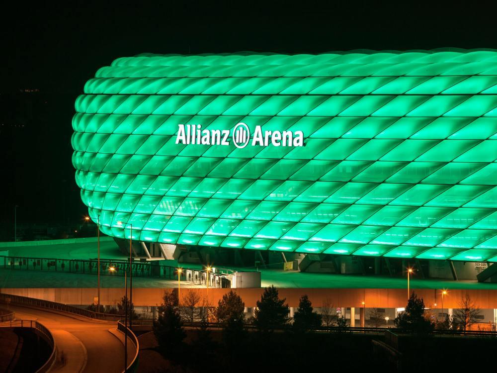 Dasselbe in Grün - Sonderillumination der Allianz Arena (Foto: Philips)