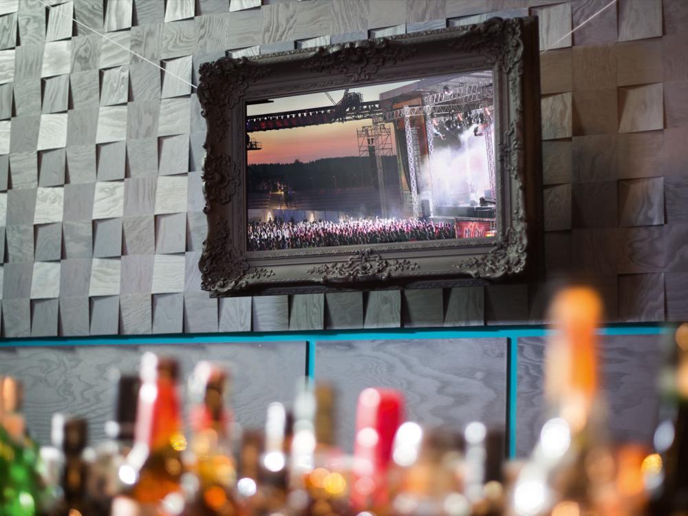 Einsatz in der Gastronomie - Smart Display [re:frame] (Foto: Iltis&Wiesel)
