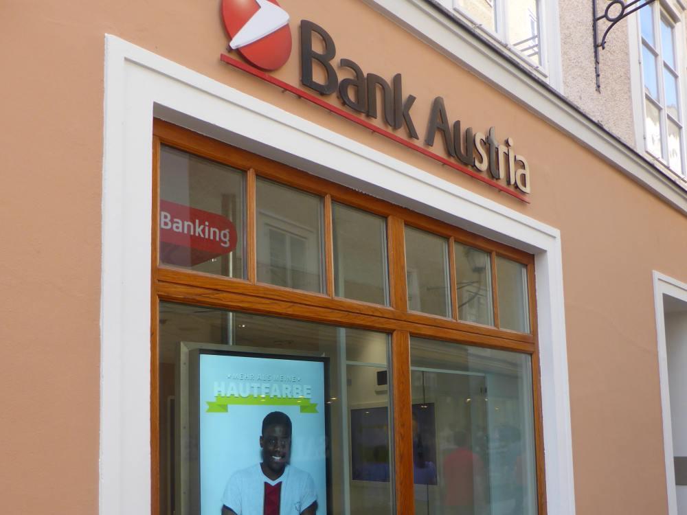 Flagship der Bank Austria in Salzburg (Foto: invidis)