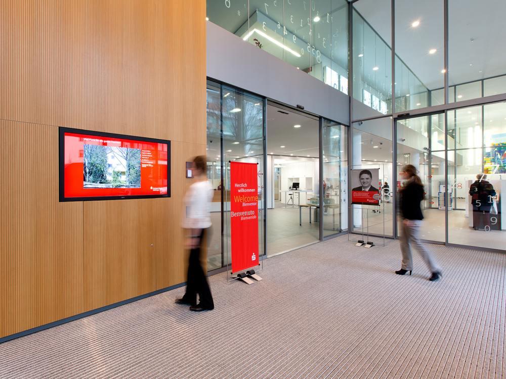 Foyer einer Sparkasse (Foto: engram)