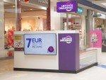 Litauische Shopping Mall mit Lietuvos Draudimas-Fililale (Foto: Signagelive)