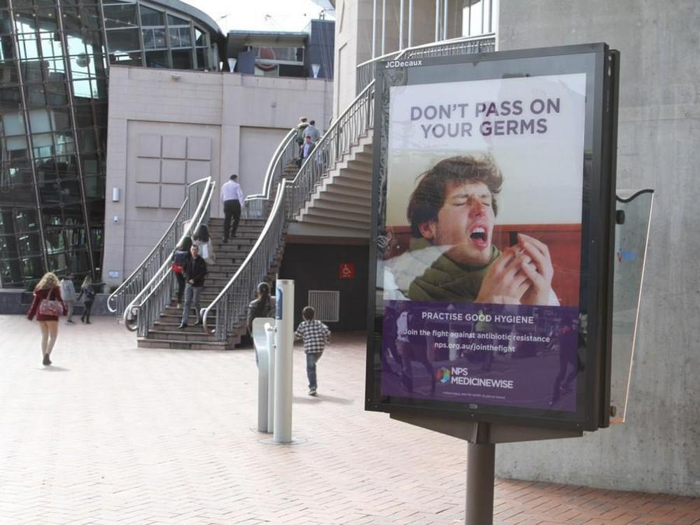 NDS-Kampagne - niesendes Plakat (Foto: JCDecaux)