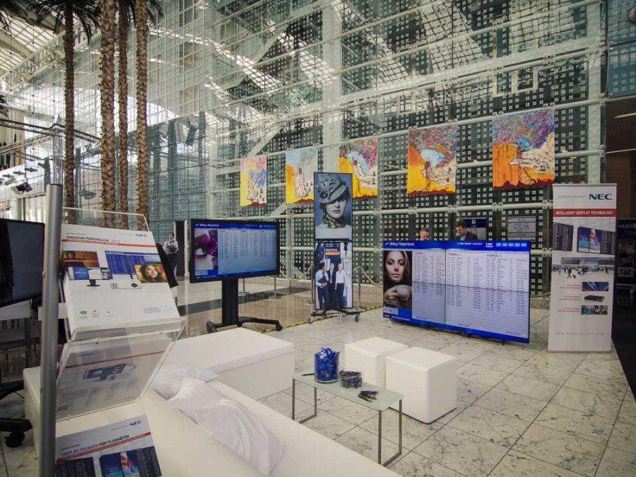 NEC-Stand auf der Münchner Konferenz 2013 (Bild: invidis)