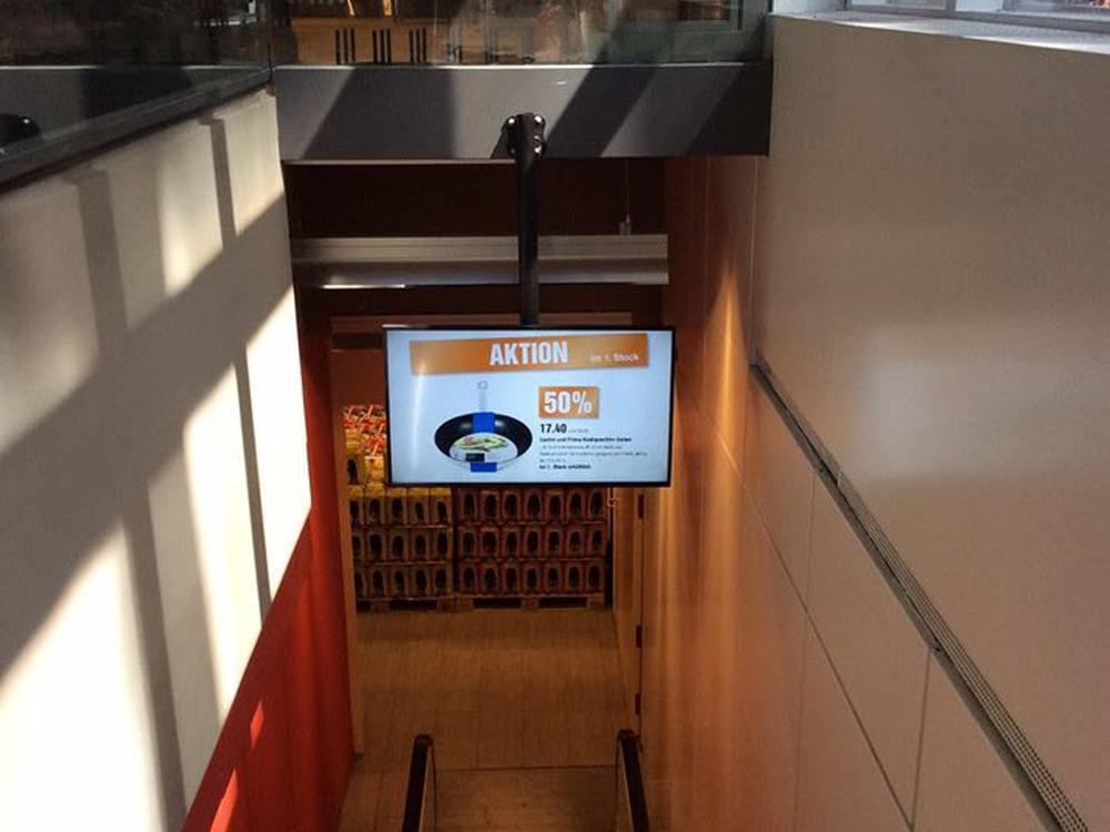 Samsung Screen bei Migros in Basel (Foto: Wedeko)