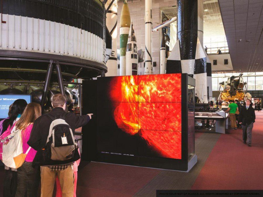 Video Wall im Smithsonian National Air and Space Museum (Foto: Planar)
