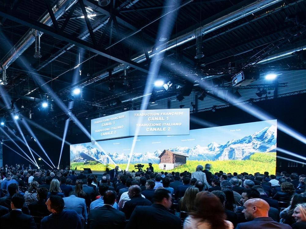 Zurich Versicherung - Bühne beim Vetriebstreffen 2015 (Foto: Barco)
