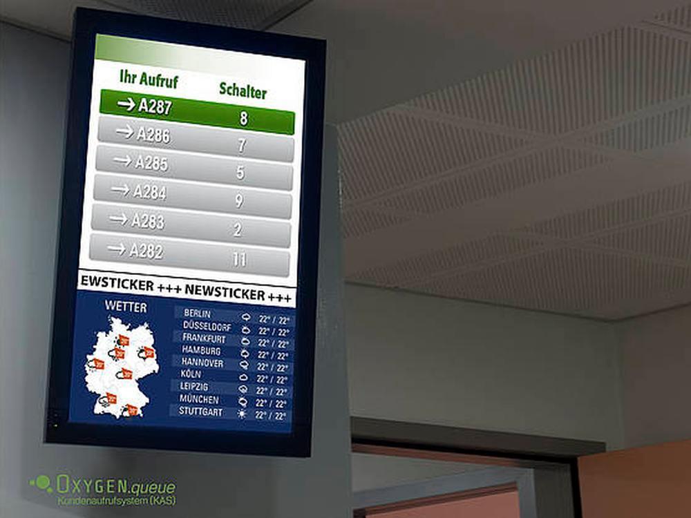 Das Kundenaufrufsystem Oxygen queue istTeil der Media Plattform (Foto: DooH media )