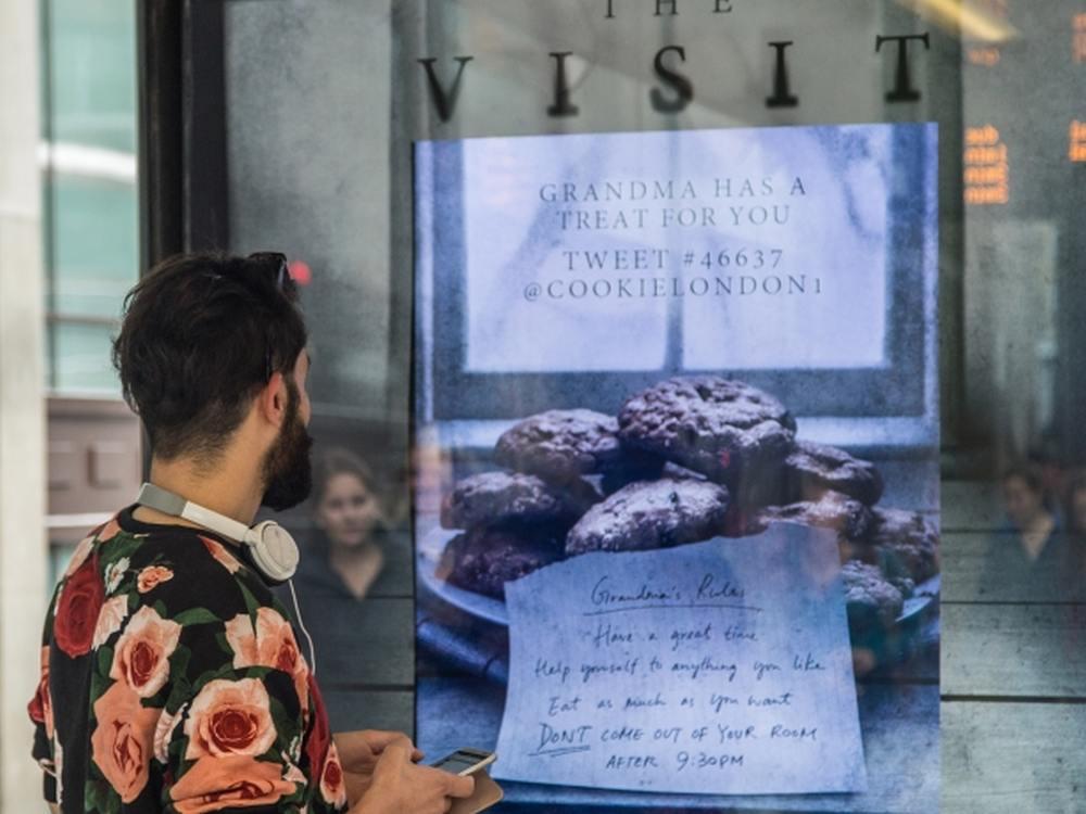 DooH Kampagne für The Visit (Foto: JCDecaux)