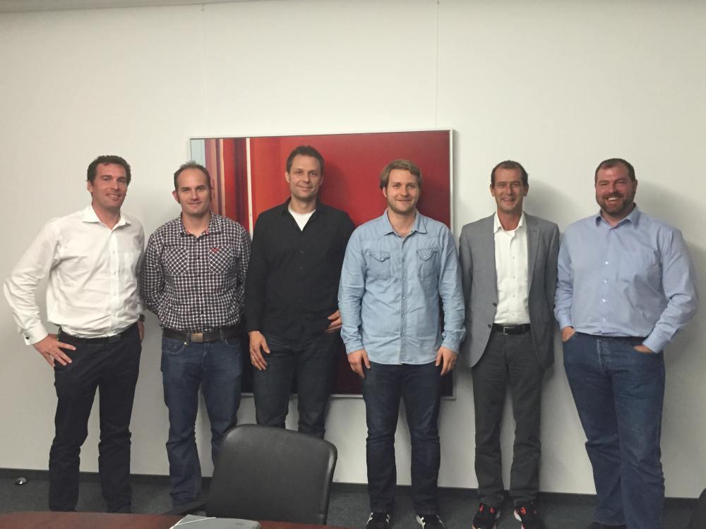 Goldbach übernimmt Splicky: Roland Wittmann (CSO, Goldbach Group), Brendon Mausolf (COO, Jaduda), Roman Brunnemann (CTO, Jaduda), Sven Ruppert (CEO, Jaduda), Ronie Bürgin (Senior Business Developer, Goldbach Group), Marco Bickel (ehemaliger CFO, Jaduda) (Foto: Goldbach Group)