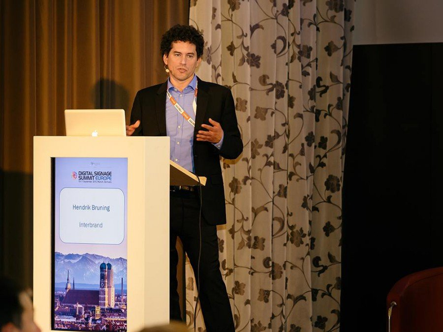 Hendrik Bruning stellte das 120 Mio Euro Projekt vor (Foto: invidis)
