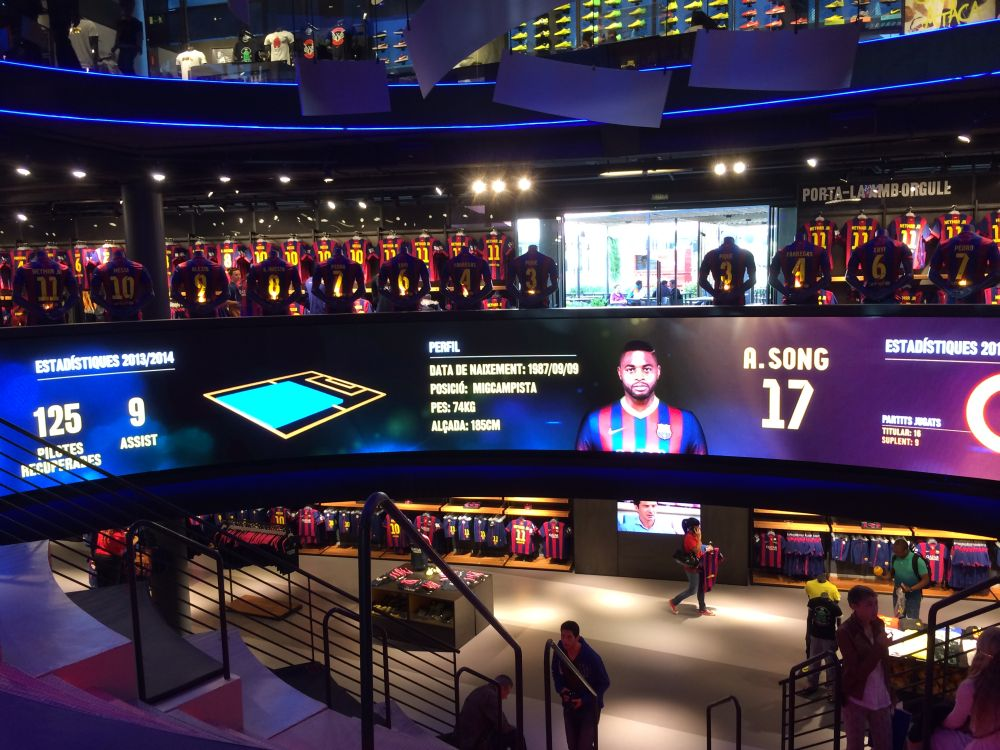 OVAB DSS Europe 2015: Interactive Experiences at the FCBarcelona digital Megastore (Image: Aopen)