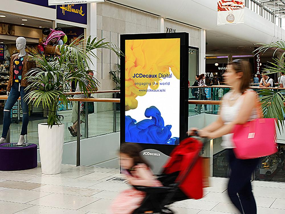 iVision Screen im Whitewater Shopping Centre (Foto: JCDecaux)