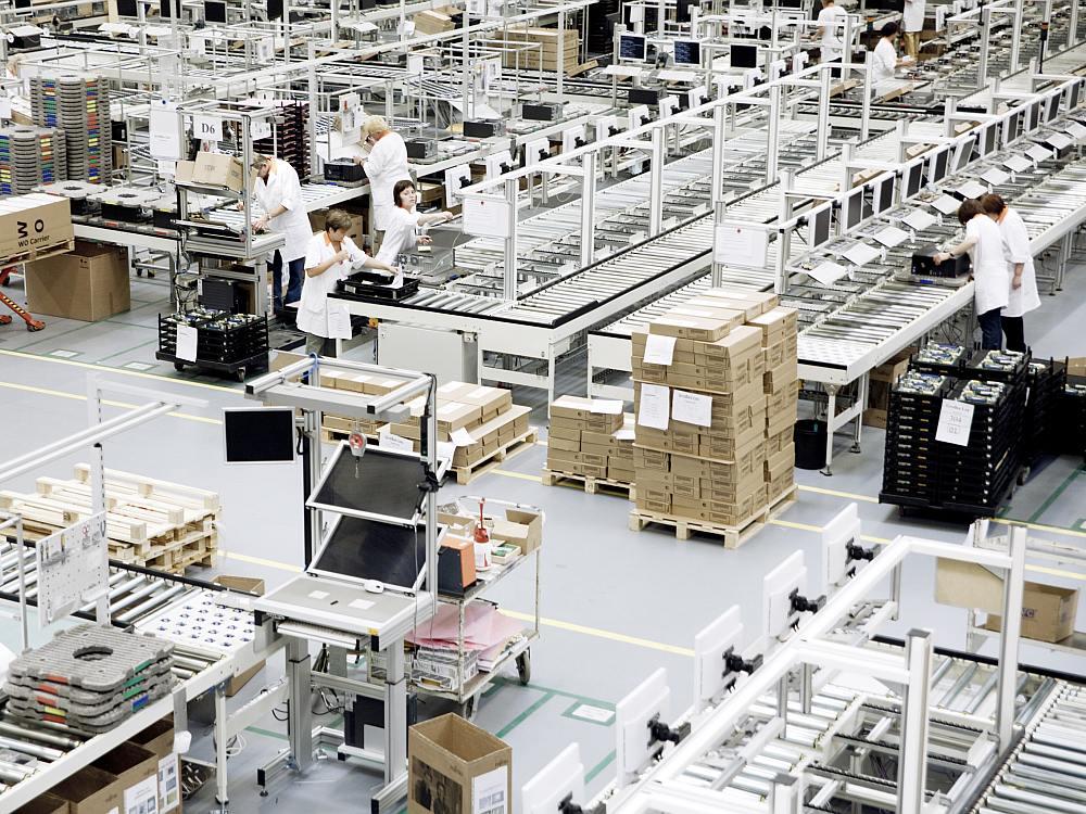 Blick in die Fabrik - Fujitu Standort Augsburg (Foto: Fujitsu)