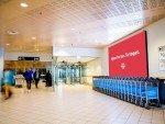 LED DooH Screen am Airport in Trodnheim (Foto: Absen)