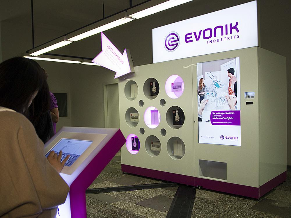 Mit der interaktiven Wurlitzer Vending Machine promotet Evonik den Battle of Brains (Foto: OMD Fuse)